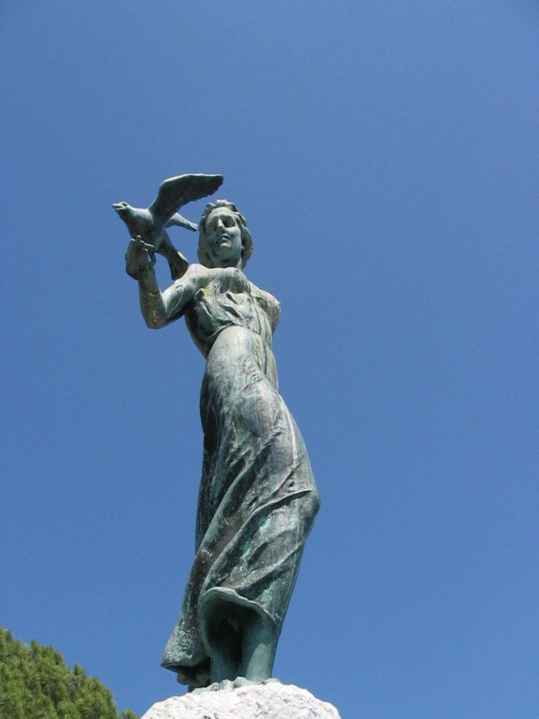 Maiden With The Seagull